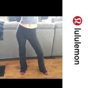Size 6 Lululemon Athletic Wide-legged Yoga Pants